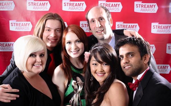 Clara (Robin Thorsen), Bladezz (Vincent Caso), Codex (Felicia Day), Vork (Jeff Lewis), Tinkerballa (Amy Okuda) и Zaboo (Sandeep Parikh) на церемонии награждения Streamy Awards 2009