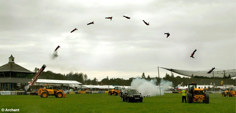 Пример пушки, стреляющей людьми (Human Cannon)